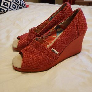 Toms Wedge heel open toe woven red shoes - Size 7